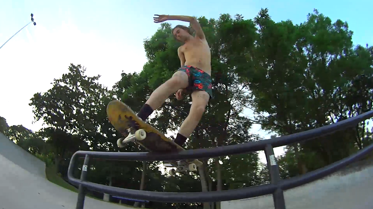 The skate patrol #3 - skatepark clamart - chillax.tv